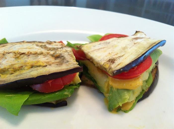 3 - sanduiche_de_berinjela_e_abacate