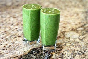 Tome esta bebida por 15 dias em jejum e elimine a gordura da barriga, costas e braços sem perceber!